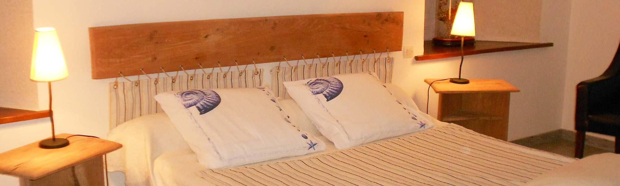 chambres hotes bayeux perfect chambres d hotes avec vues sur la place charles de gaulle ou sur. Black Bedroom Furniture Sets. Home Design Ideas